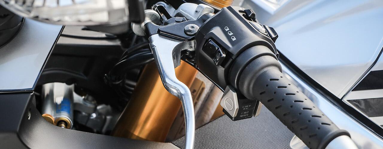 Moto control de tracción